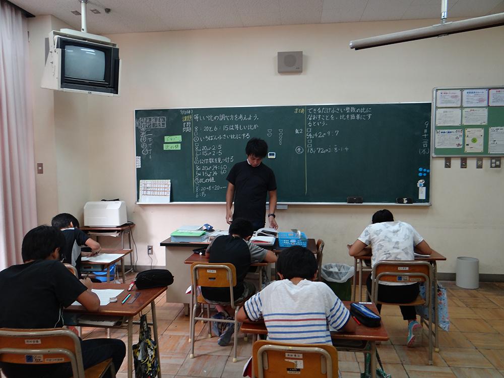 学校授業風景-1